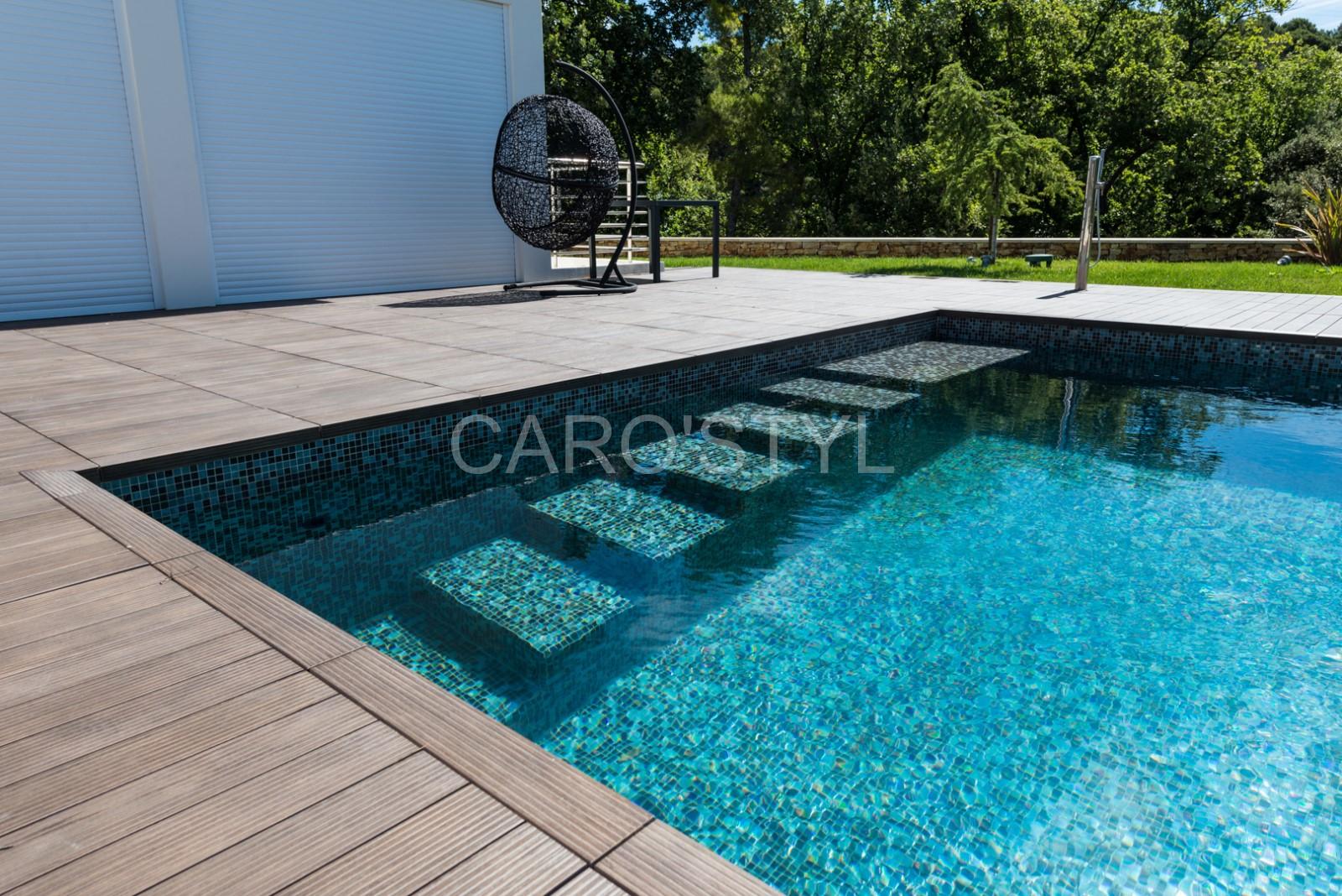 Piscines en pate de verre Bisazza, pour une piscine grand bleu! - Magasin de carrelage, pierre ...