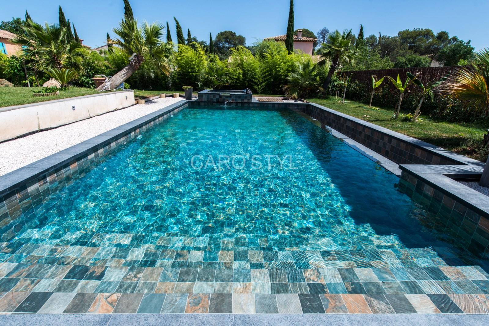 carrelage pour piscine aspect balinais proche n mes30 gard magasin de carrelage pierre. Black Bedroom Furniture Sets. Home Design Ideas