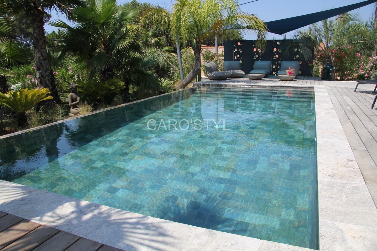 piscine en carrelage green bali 15x15 cm un d nuan age magnifique pour une eau meraude. Black Bedroom Furniture Sets. Home Design Ideas